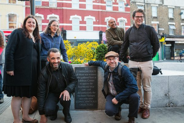 Haringey councillors unveiling the memorial plague to the borough's conscientious objectors.